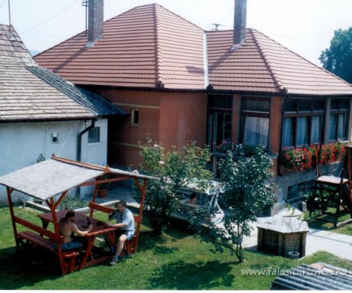 Benkovics Vendégház-Pilismarót