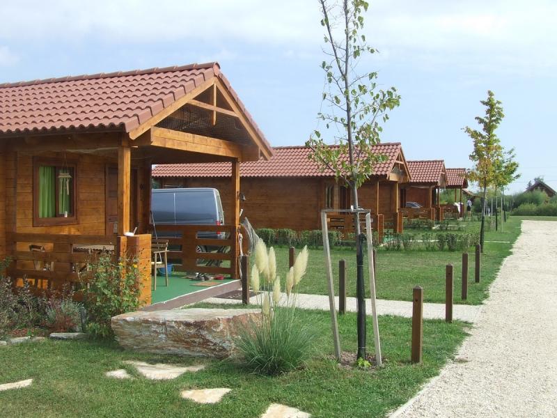Berek Horgászpark - horgásztó és vendégházak