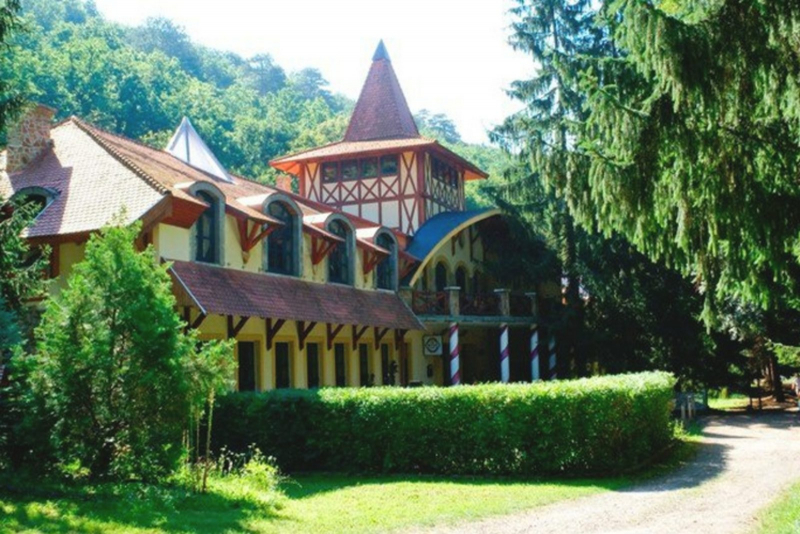 Fatornyos Fogadó és Erdei Hotel