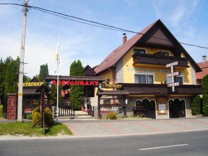 Feketemacska Panzió Balatonkeresztúr