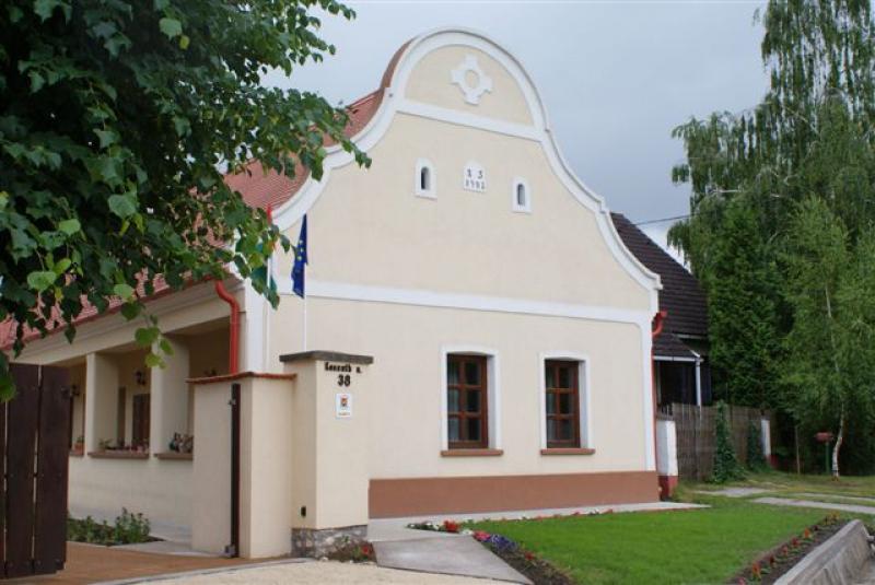Hathalom Vendégház-Bakonytamási