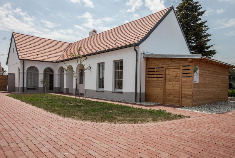 János bácsi háza