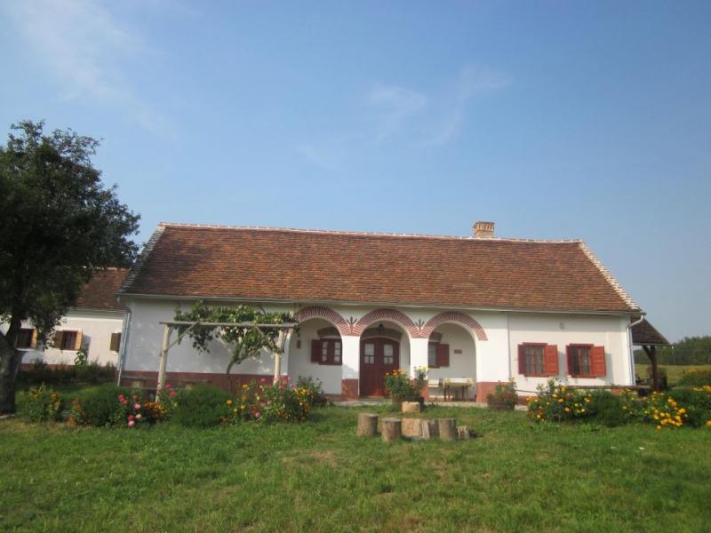 Múltidéző Porta - népi műemlék házak