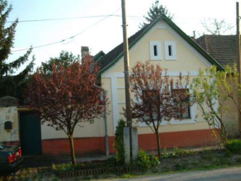 Pék-ház Kisoroszi
