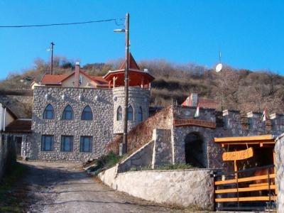 Pesti Patikus Pincéje és Vendégháza