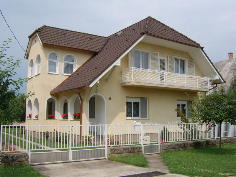 Rózsa Apartmanok-Balatonboglár